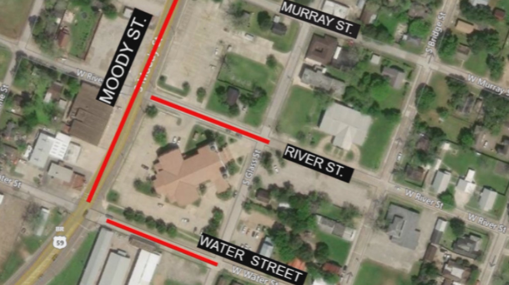 Partial closures on Moody street for utility installation