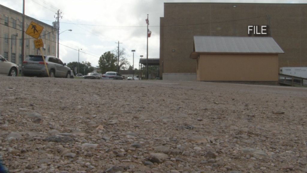 County Commissioners accept bid to re-pave government parking lots