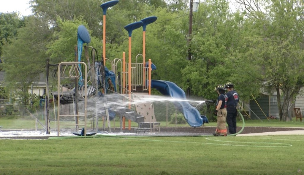 Victorians react to Boulevard playground fire