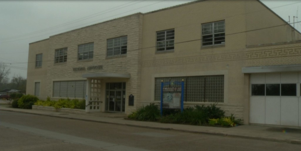 County commissioners finalizing grant contract to purchase Constitution St. building