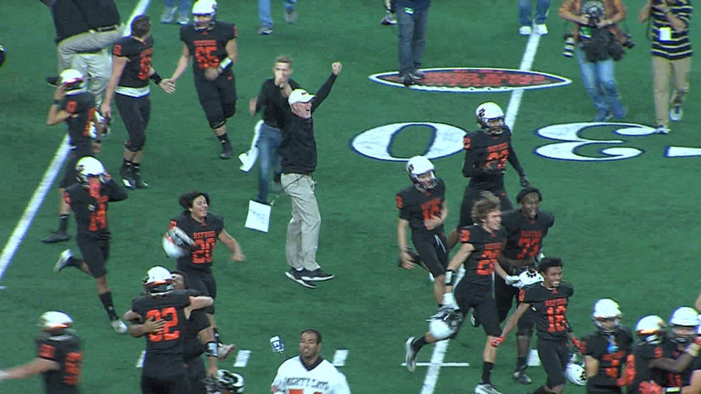 Refugio Football Celebrates State Title