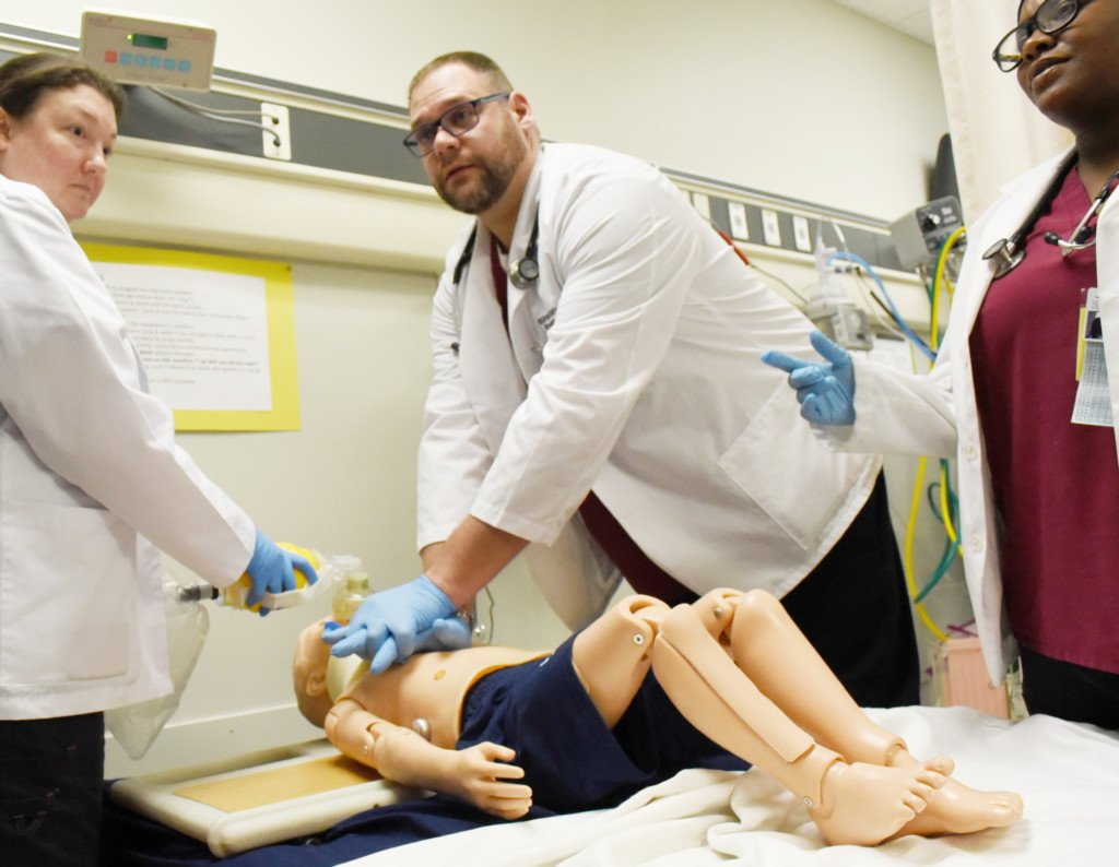 New simulators enable VC respiratory care students to experience real-life scenarios