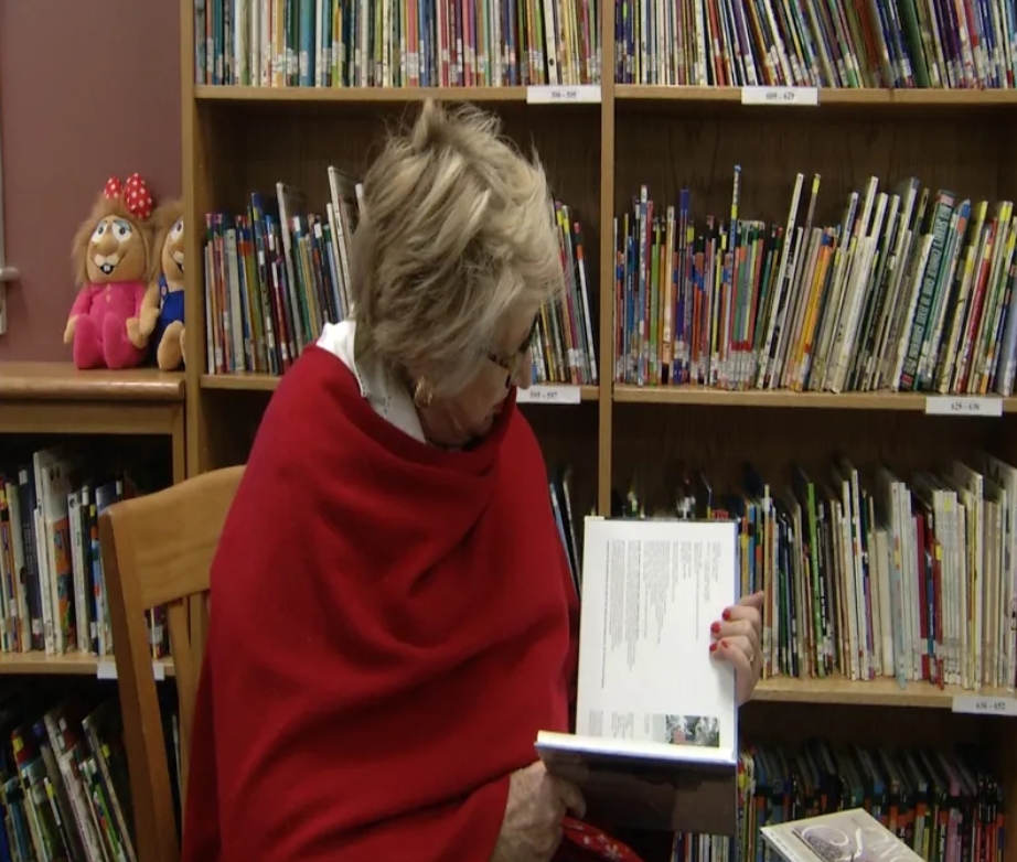 'Snow' series author shares her stories with Nursery ISD students