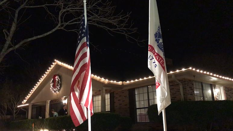 Victoria neighborhood welcomes home soldier with late Christmas