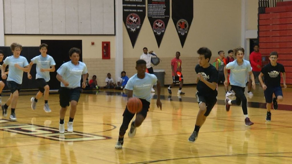 Summer Youth Basketball League returns to Victoria