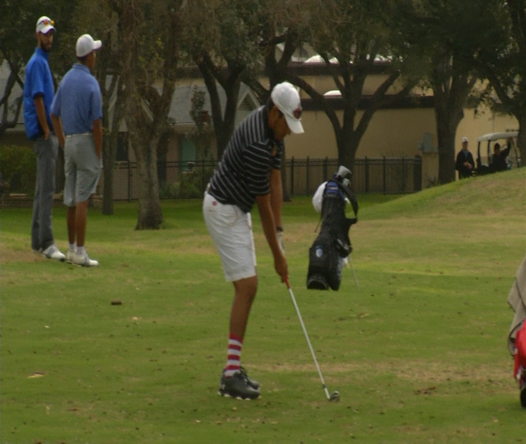 UHV Golf Tees Off In Its Fall Classic