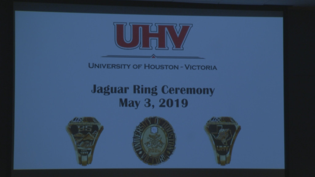 University of Houston-Victoria students receive class ring at ceremony