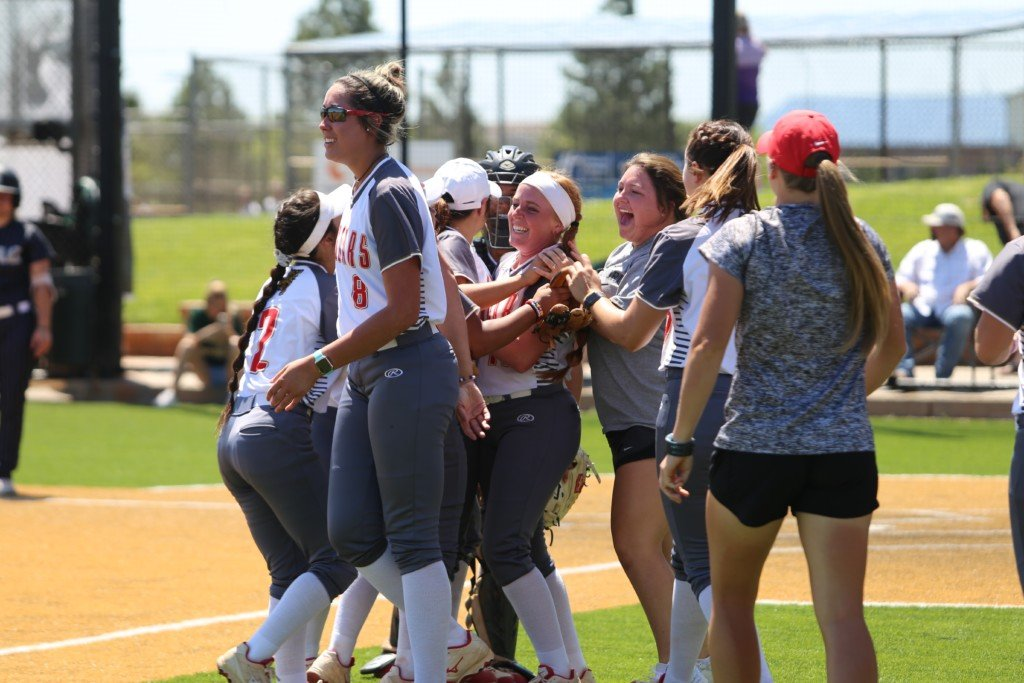 UHV Student-Athletes Get Conference Academic Honors