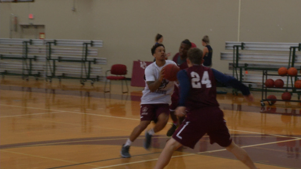 VC Men's Basketball Wins Home Exhibition