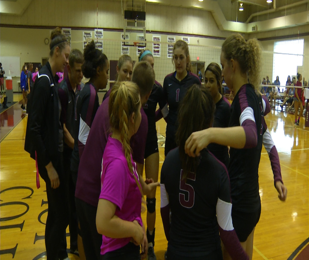 Victoria College volleyball signs two players