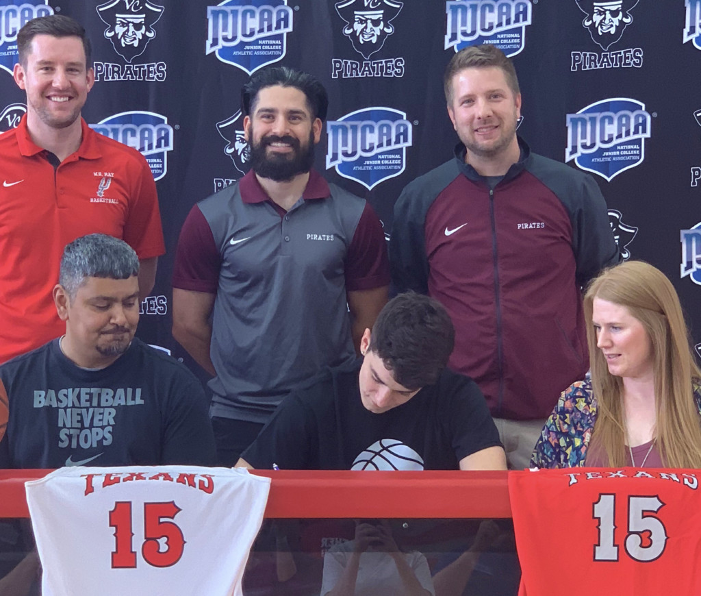 Victoria College Men's Basketball Adds Corpus Christi Player
