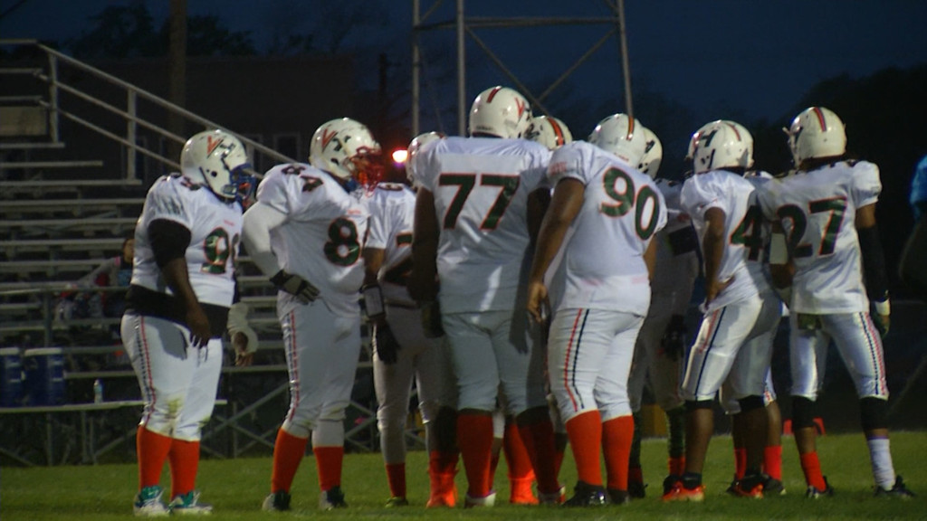 Victoria Hurricanes To Host Special Football Game 8-7