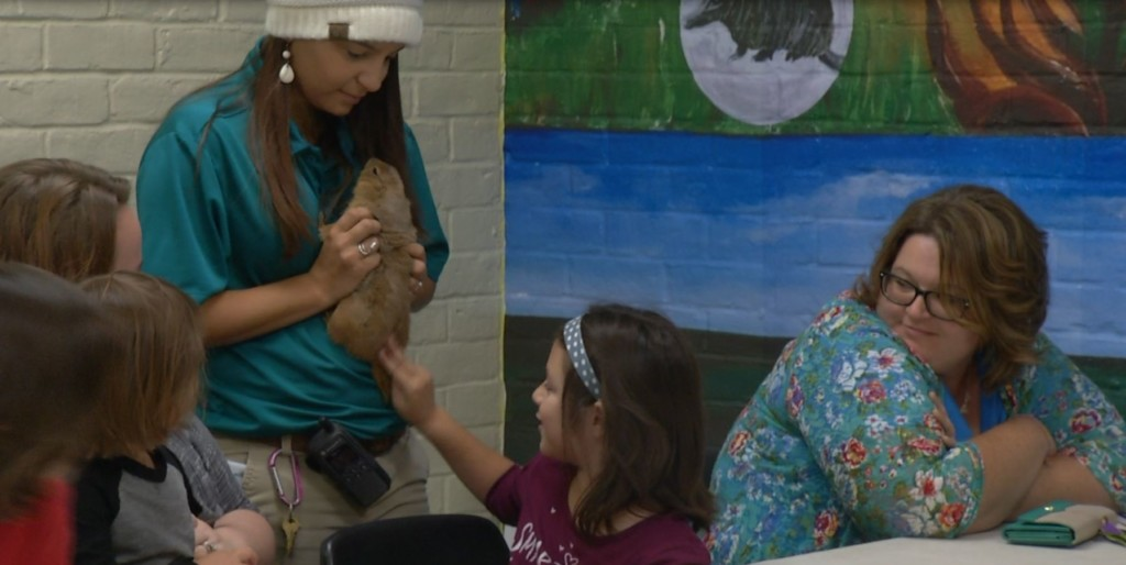 Home schooled students learn how to be a vet through Zoo Squad program