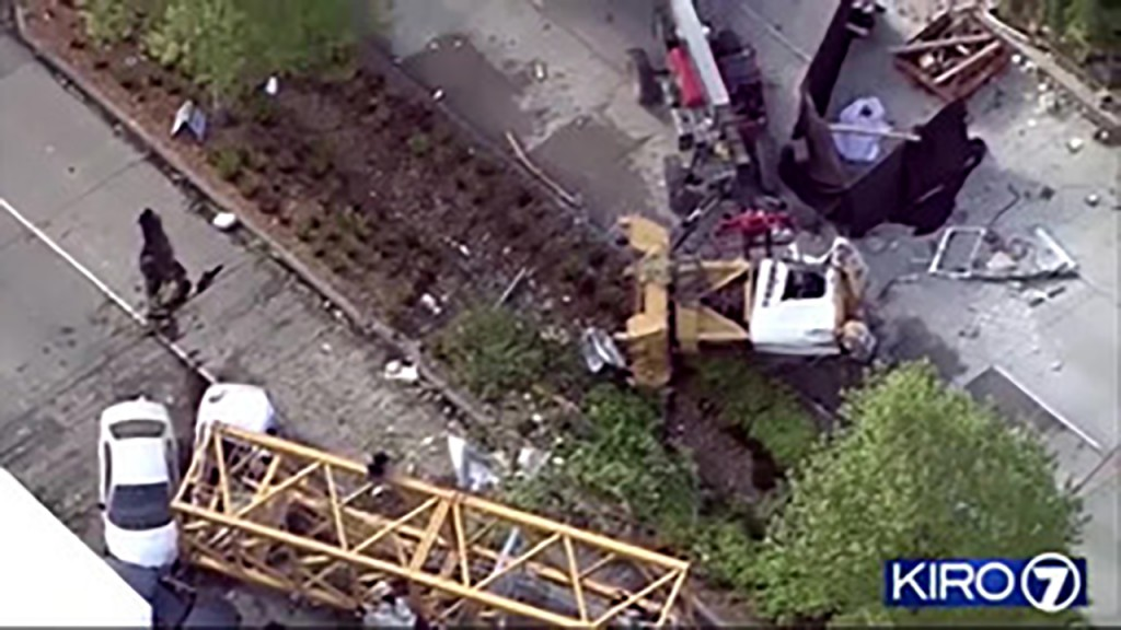 4 dead after Seattle crane falls on cars