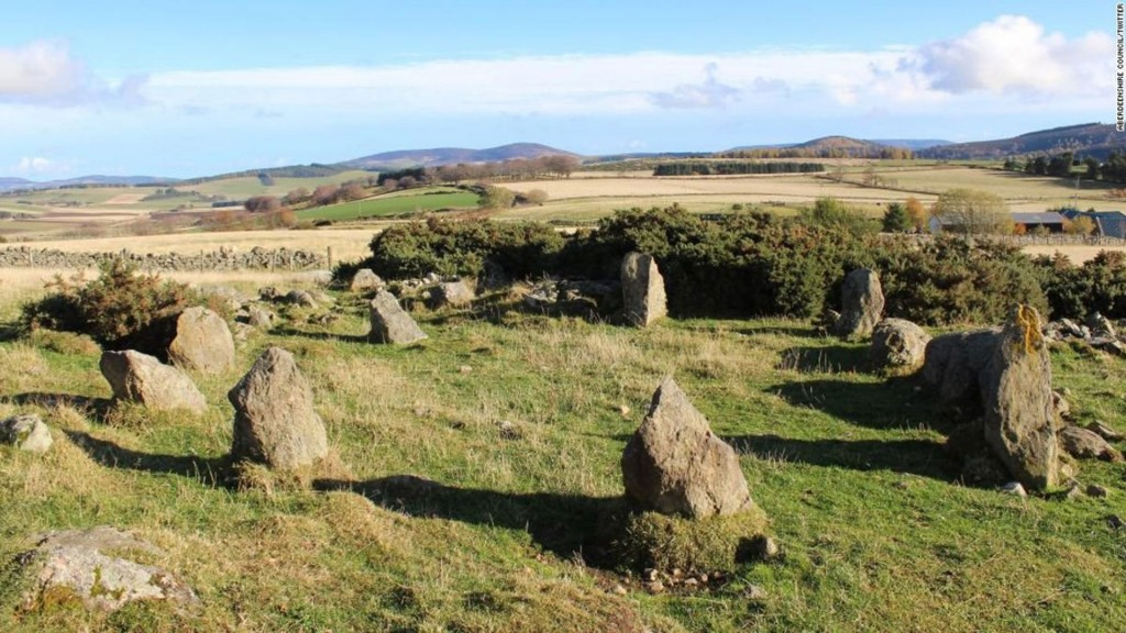 'Ancient' stone circle in Scotland turns out to be 1990s replica