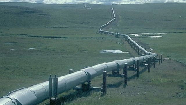 Trump to sign executive orders to free up oil, gas pipeline development