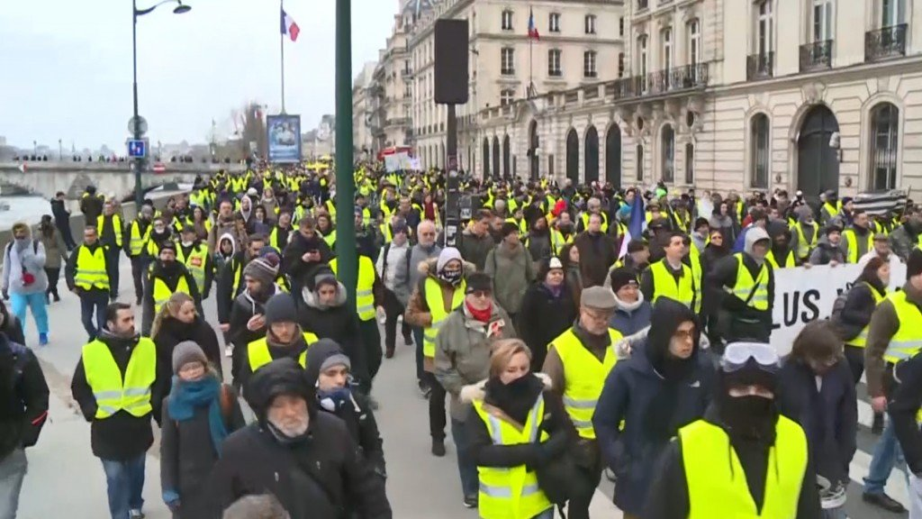 French 'Yellow vest' protests trigger violence, calls for calm