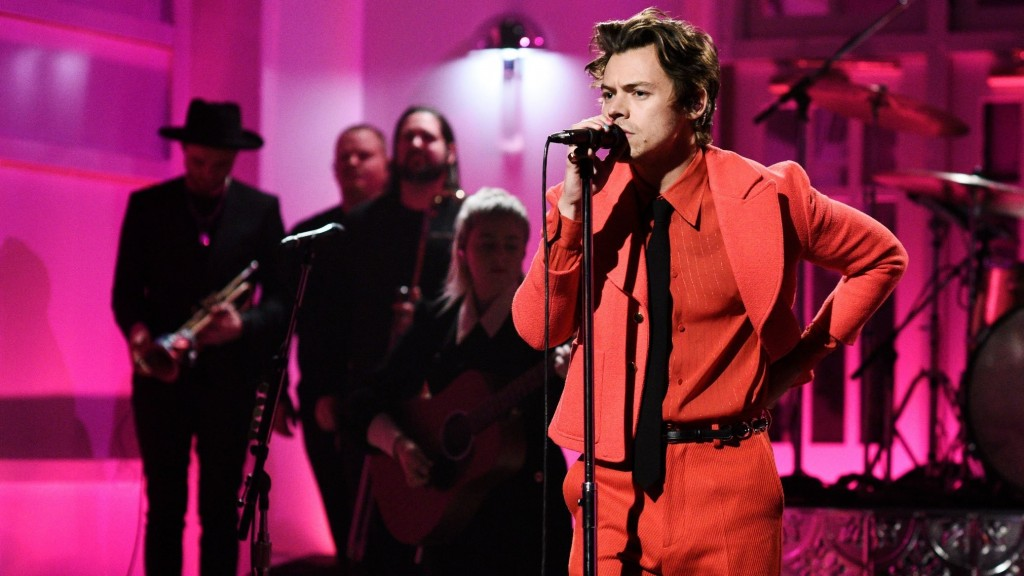 Harry Styles debuted his new song 'Watermelon Sugar' on SNL