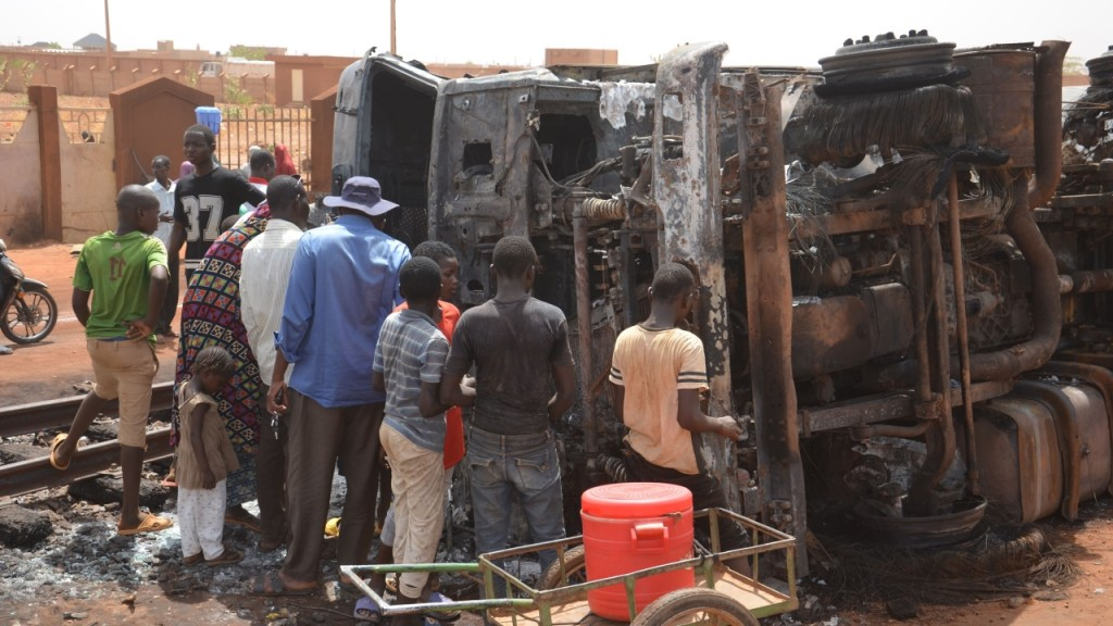 Overturned fuel truck in Niger explodes, killing 55