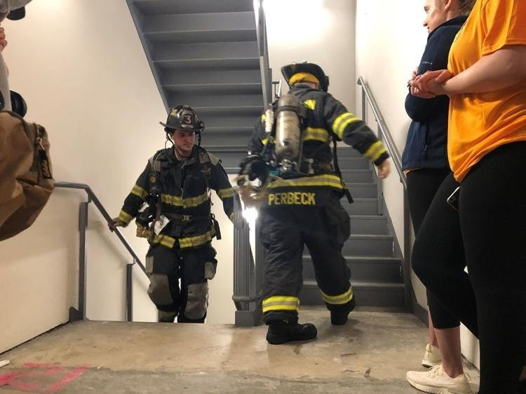 Hundreds scale stairs in Connecticut to fund lung disease research