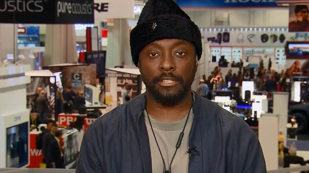 Will.i.am says a 'racist' flight attendant called the police on him