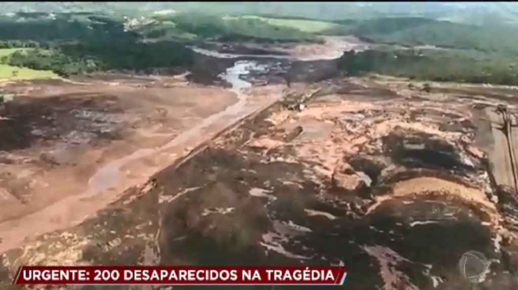 Mine dam collapses in Brazil; 7 bodies found, but 150 still missing