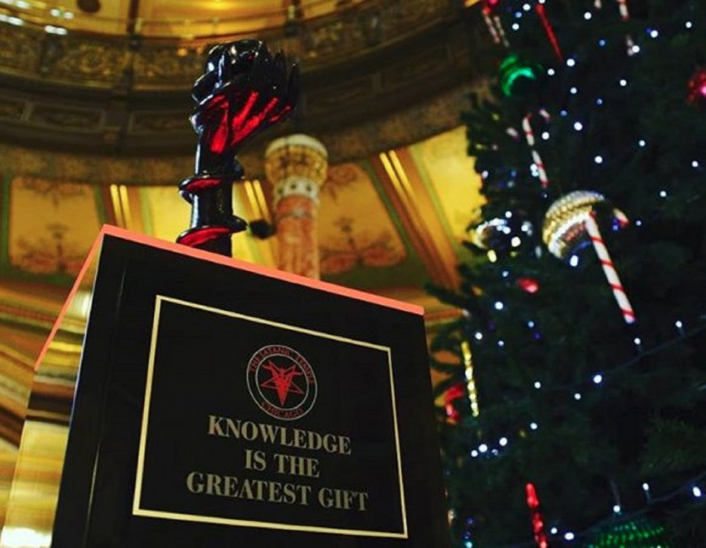Illinois Capitol rings in holidays with Satanic statue