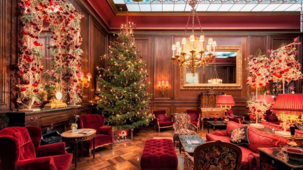 15 hotels that go all-out for Christmas