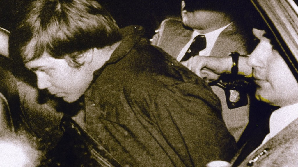 John Hinckley can move out of his mother's house, judge rules