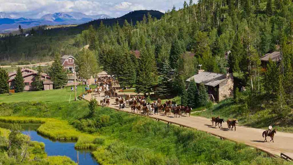 11 of the world's most luxurious horseback escapes