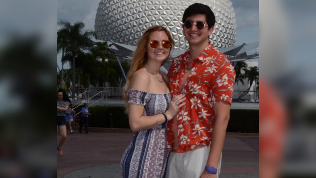 Facebook users unleash mass humor to find woman's boyfriend at Epcot