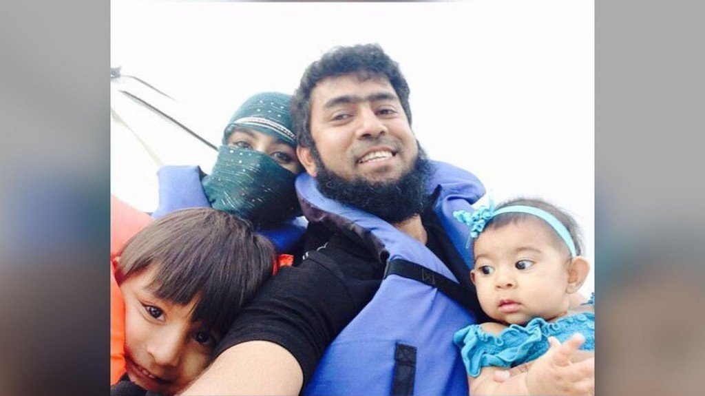 US father fears for his young children trapped in Syria