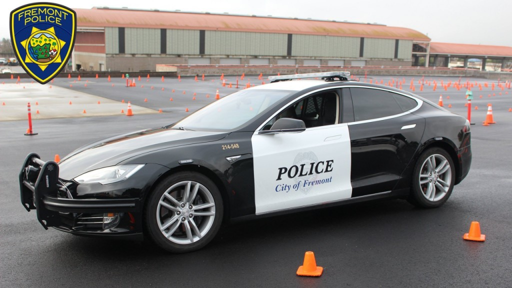 Police department's Tesla runs out of battery during pursuit