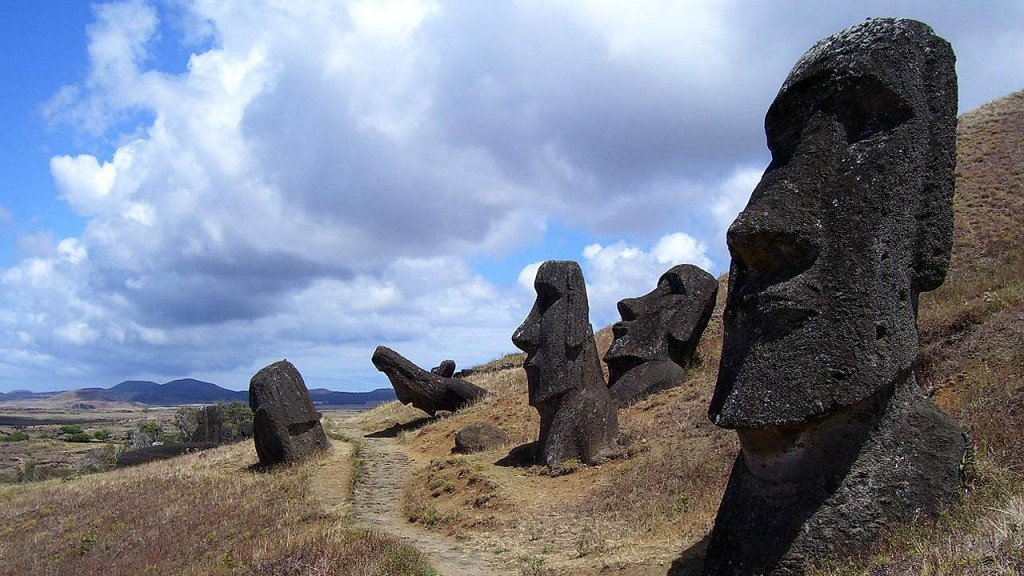 Easter Island threatened by bad tourist behavior