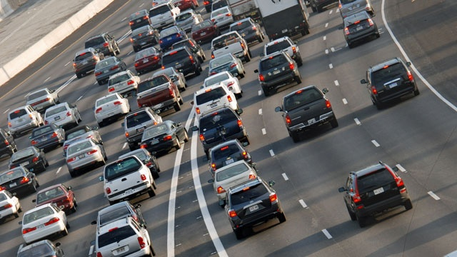Study: Commuting costs more for women