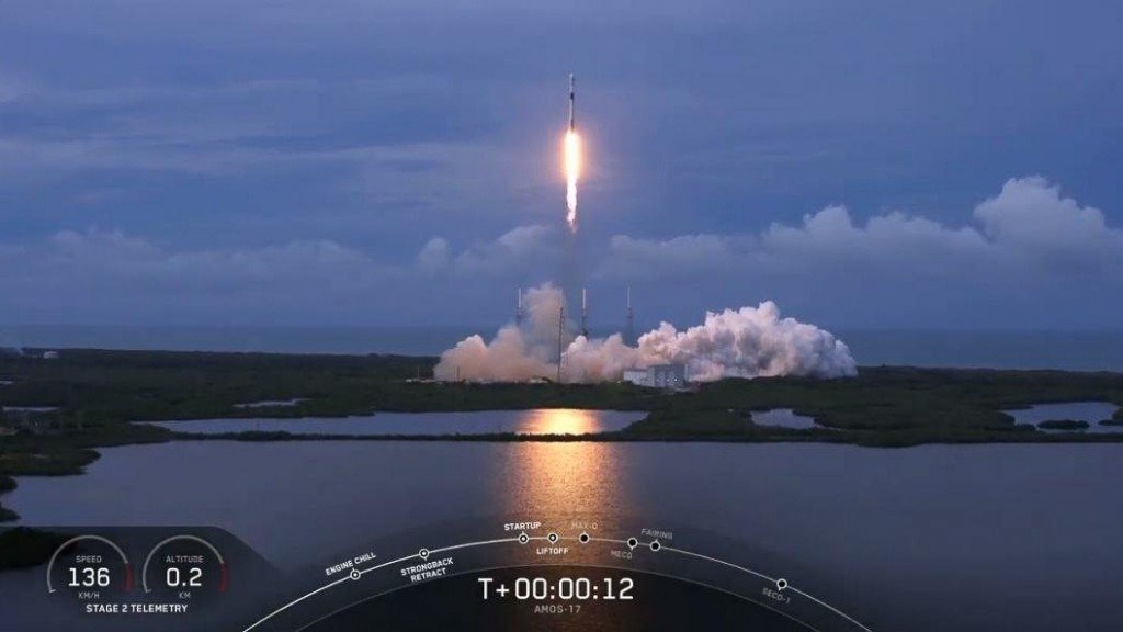 SpaceX, Boeing team up for satellite launch