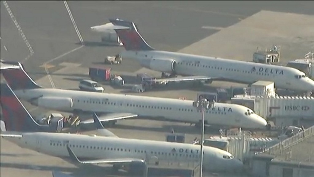 Delta employee arrested in $250,000 theft at JFK International