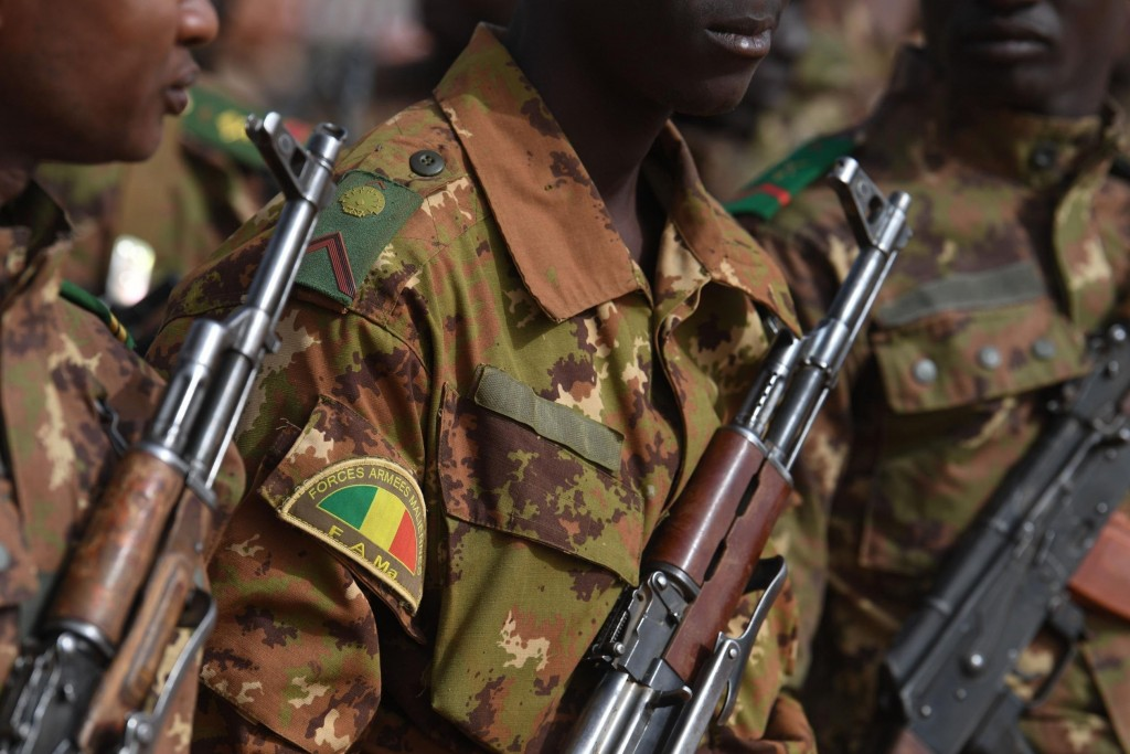 Attack on two military camps in Mali kills 25 soldiers