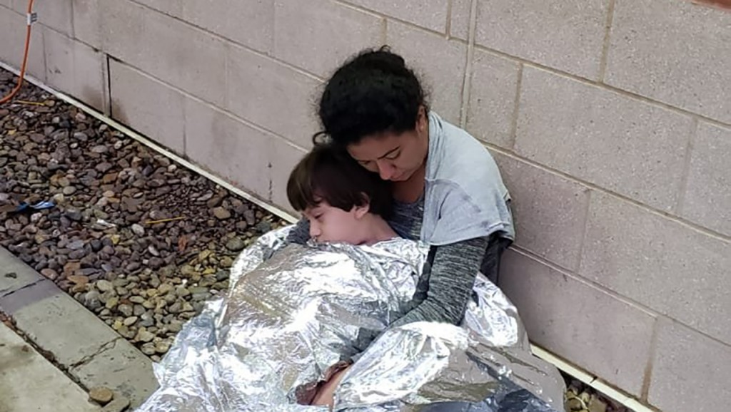 Photos reveal children sleeping on ground at border station