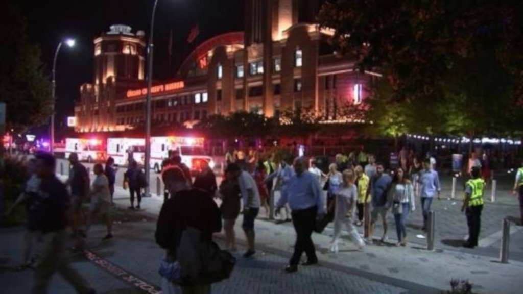3 people stabbed, others trampled leaving Chicago fireworks display