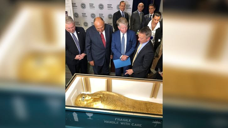 Stolen gold coffin displayed at the Met returned to Egypt