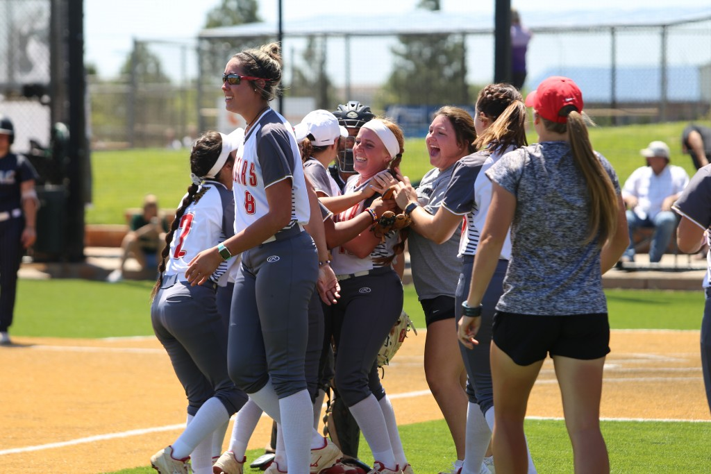 Uhv Softball Celebration