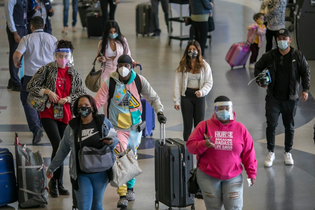 Nation's Airports Brace For Thanksgiving Travel, As Cdc Recommends Not To Travel Amid Coronavirus Pandemic