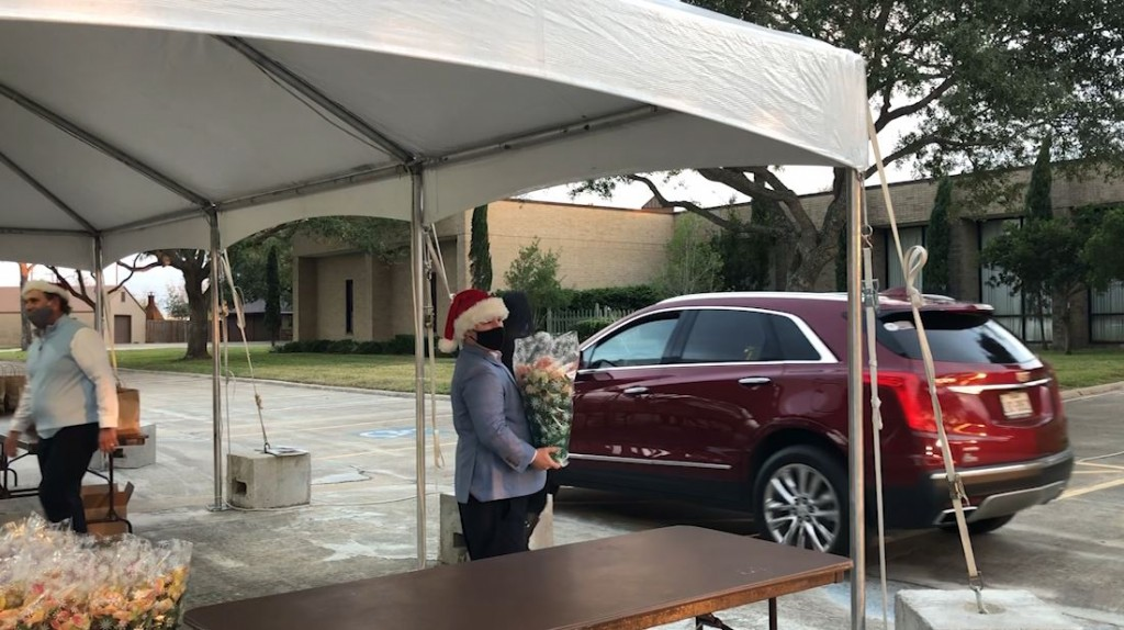 Financial Advisors Host Drive Thru Appreciation Event For Clients