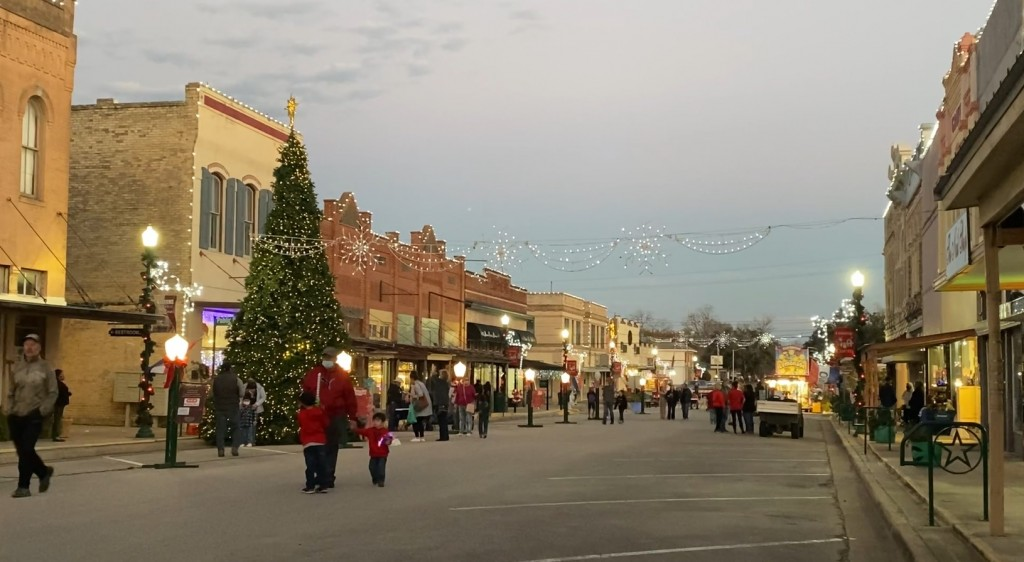 Cuero's Hometown Holiday Article Image