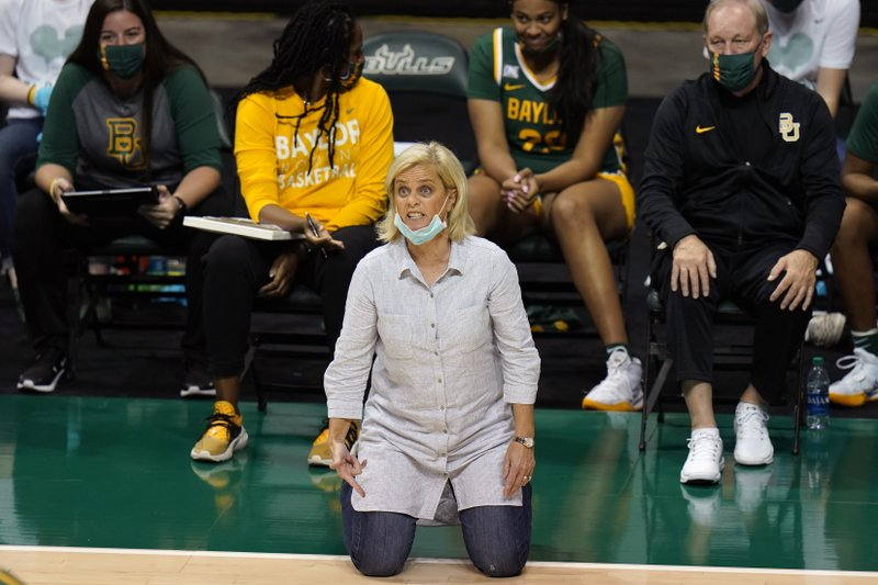 Mulkey positive for COVID-19, UConn-Baylor women's game off