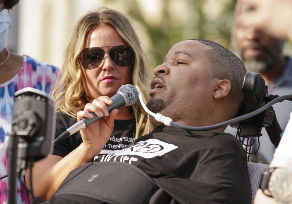 Insurer To Pay $8m To Black Man Paralyzed By Iowa Officer
