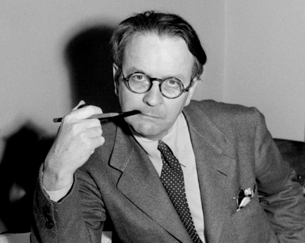 Rare Raymond Chandler Essay Includes Writing, Office Tips