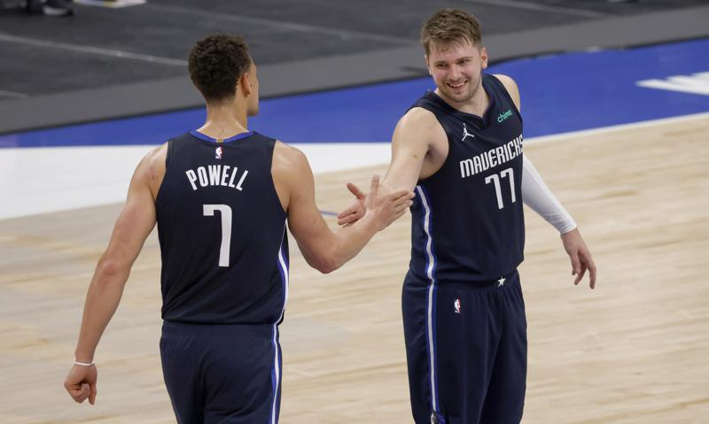Doncic Mavs Stun Lakers With Rally In Davis 2nd Game Back