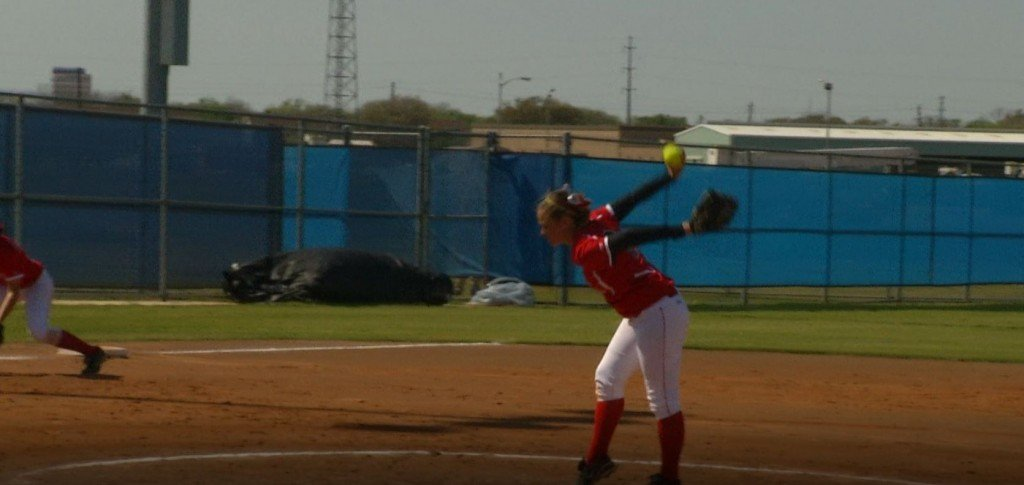 Jaguars softball team splits doubleheader with TAMUT Eagles